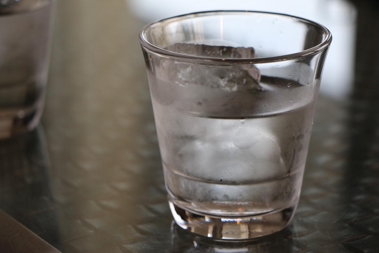 Pití, voda, sklenice