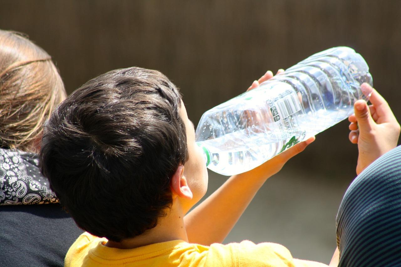 Dítě, pití, lahev