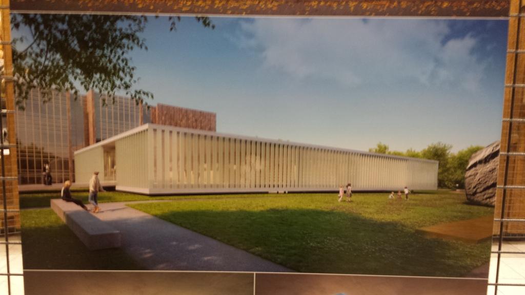 Přímo v Jihočeské vědecké knihovně nyní vystavují šest návrhů z architektonické soutěže na dostavbu budovy. Na snímku vítězný návrh ateliéru Kuba & Pilař architekti s.r.o.