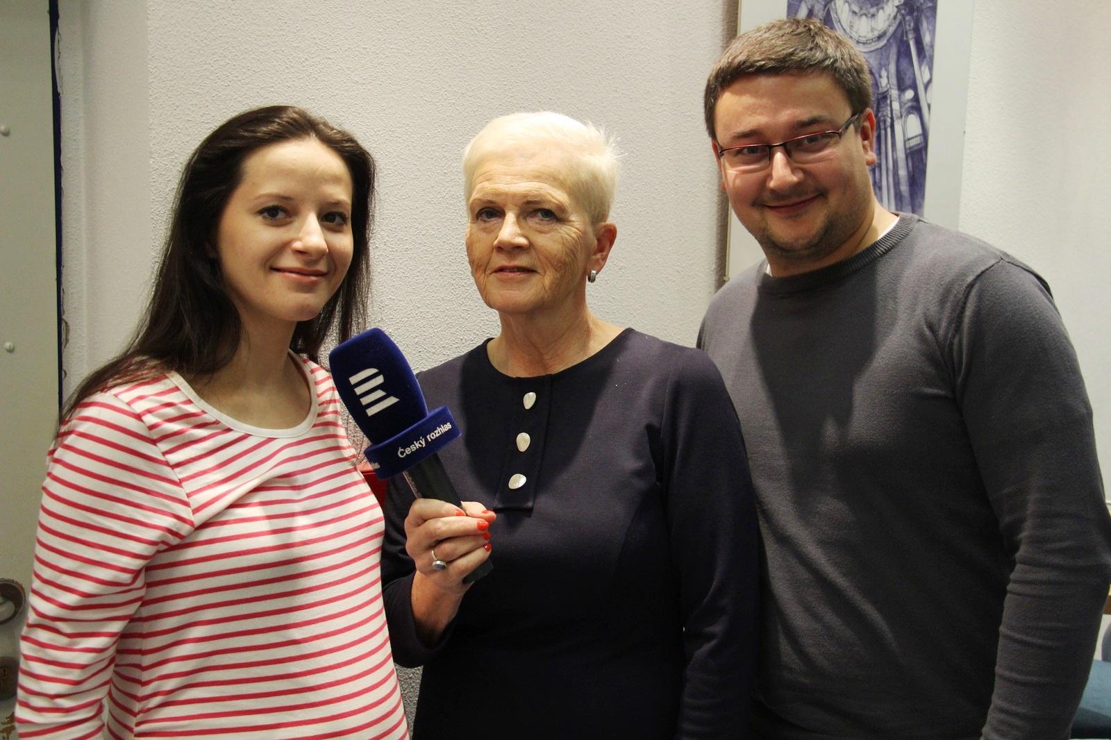 Taneční mistři Jana a Tomáš Rynešovi s autorkou pořadu Dámská jízda Mirkou Nezvalovou