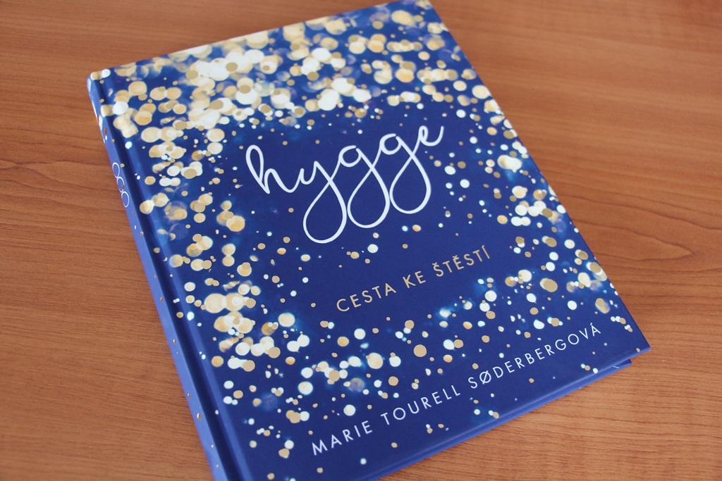 Kniha Hygge, kterou napsala Marie Tourell Soderbergová, v češtině vydalo nakladatelství Euromedia