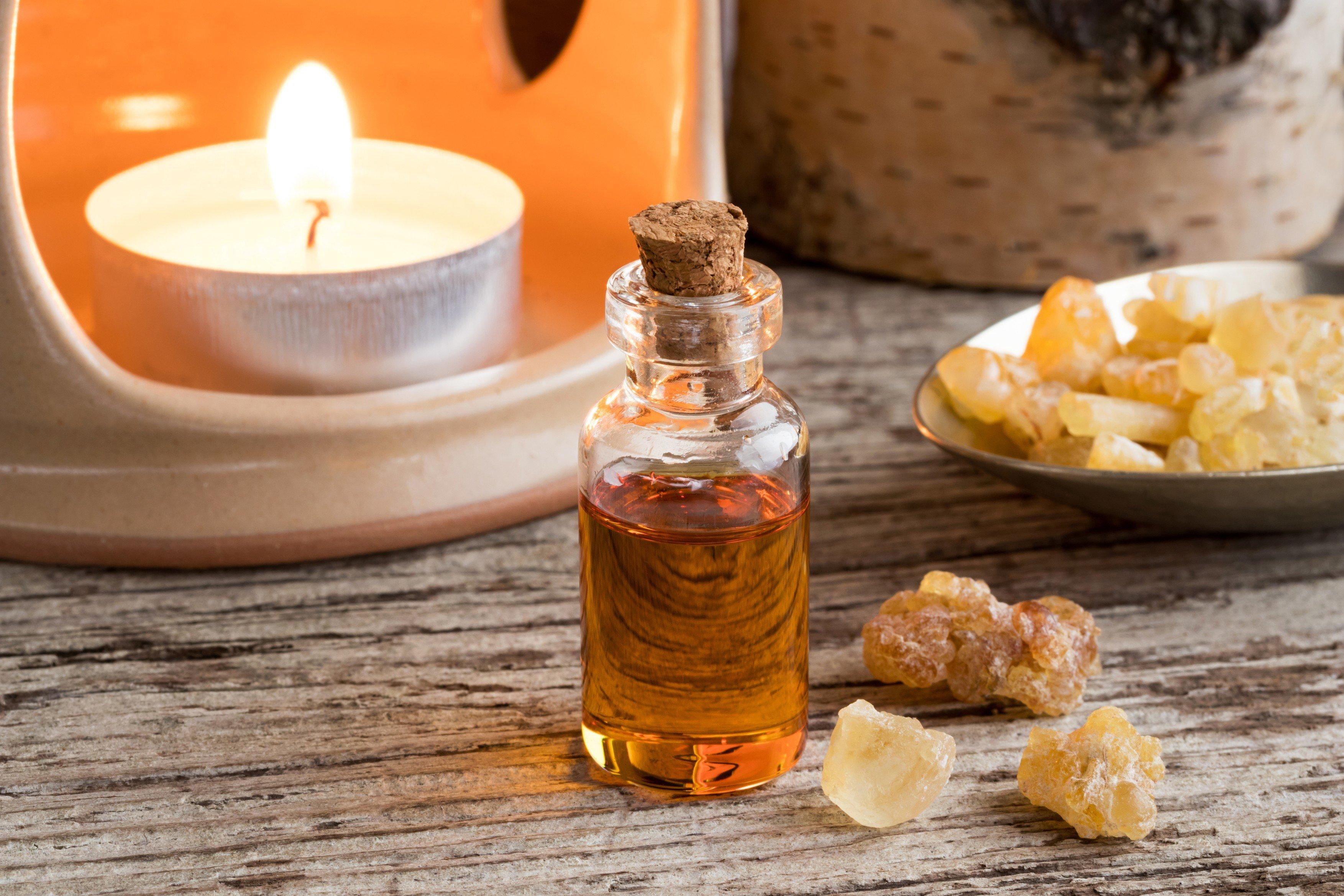Kadidlo, vonný olej, aromalampa