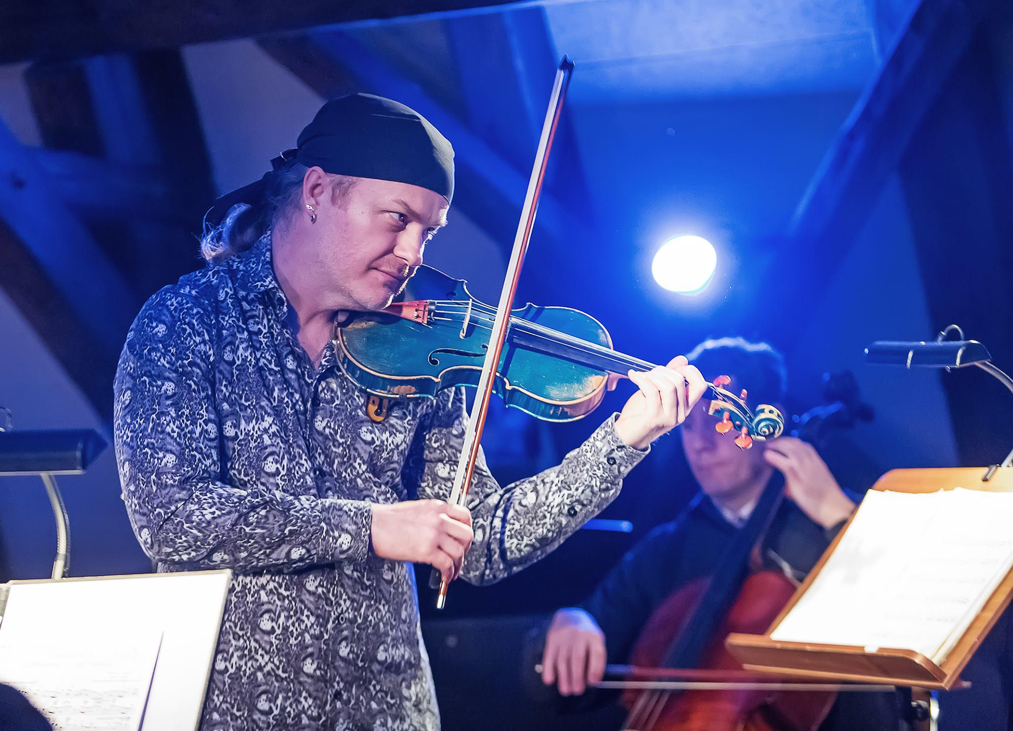 Pavel Šporcl na Utajeném koncertě Jihočeského divadla
