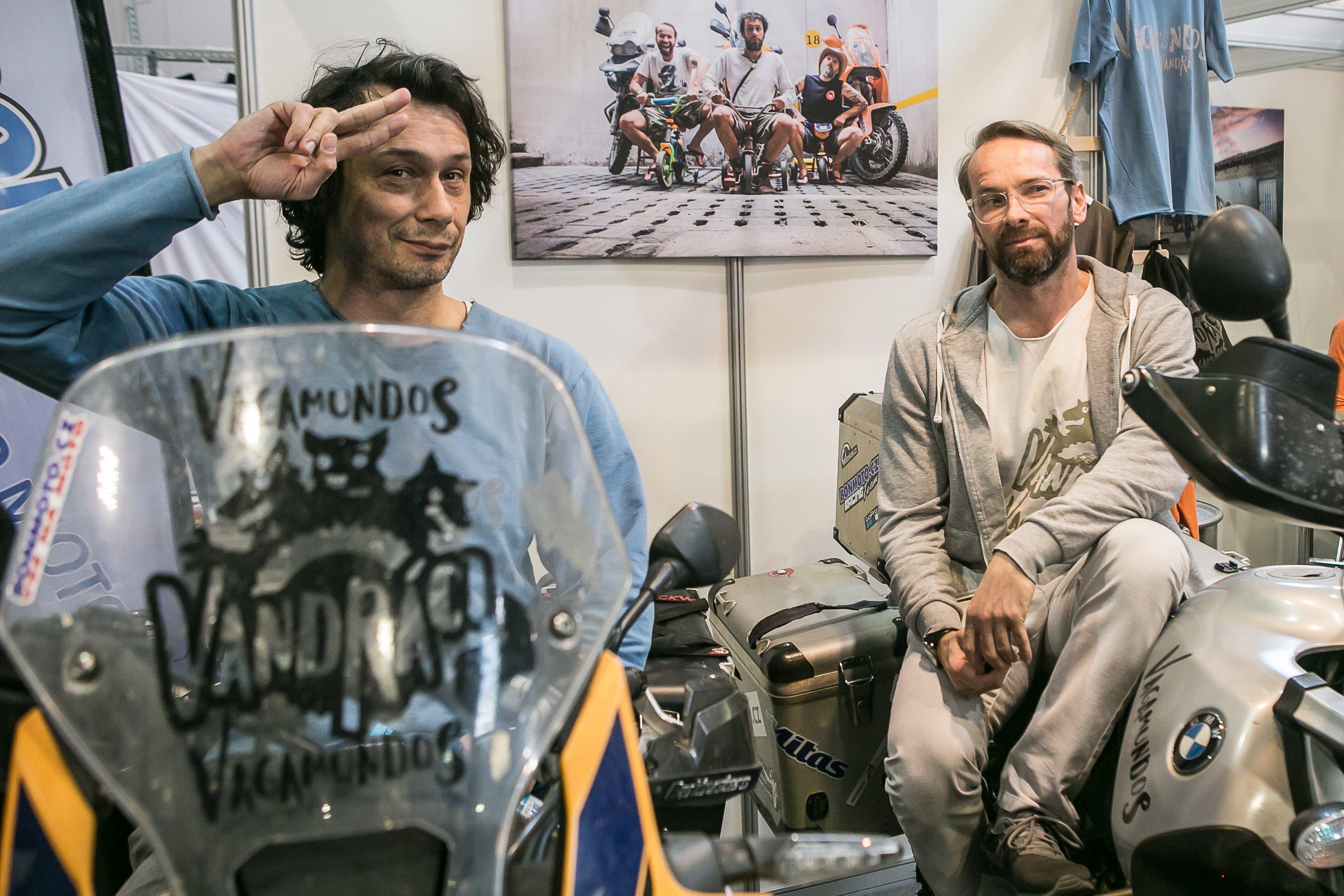 Vandráci Pavel Liška a Jan Révai se vrátili z tříměsíční motorkářské expedice
