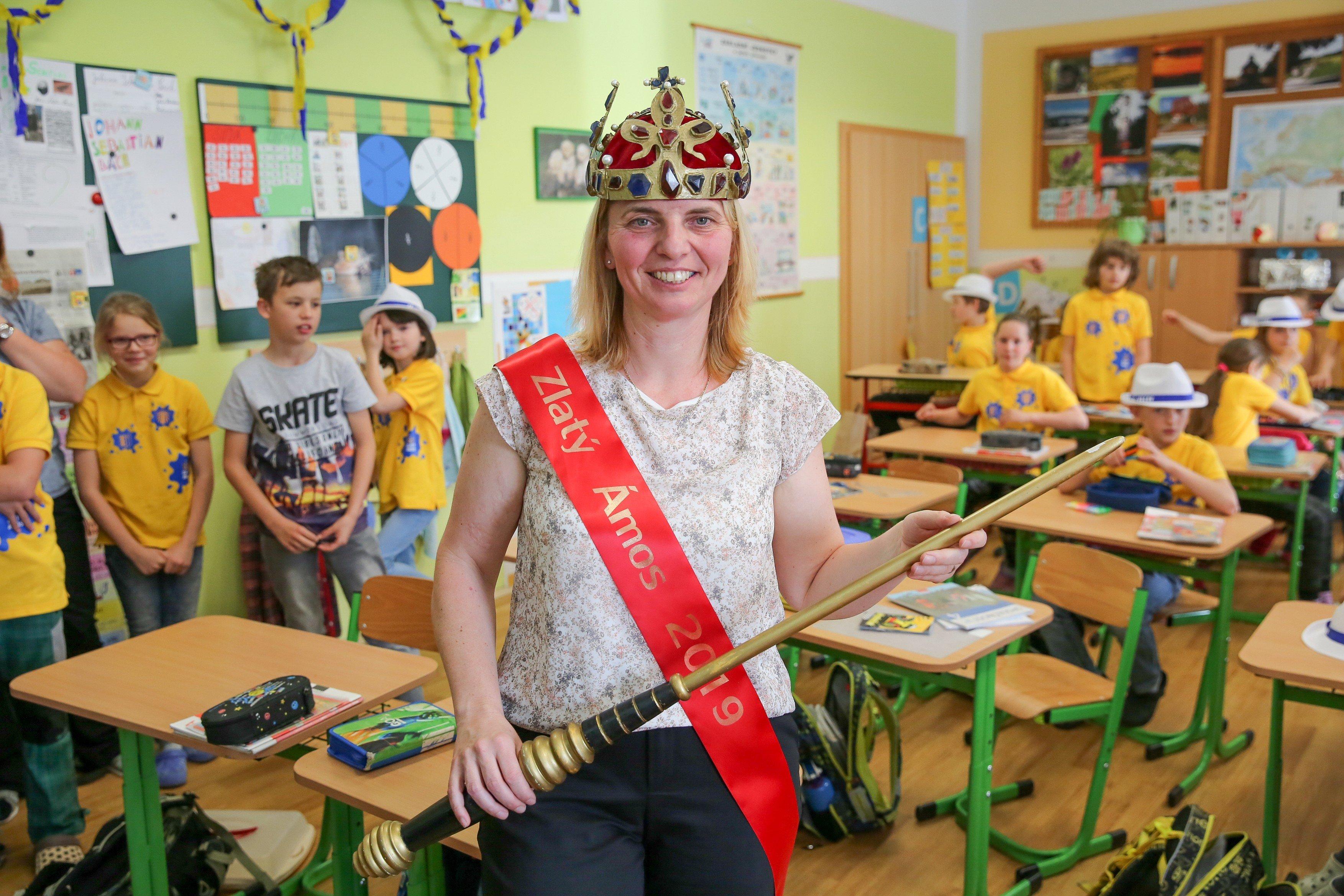 Učitelka Pavlína Kopáčiková ze Základní školy Vacov na Prachaticku získala titul Zlatý Ámos 2019