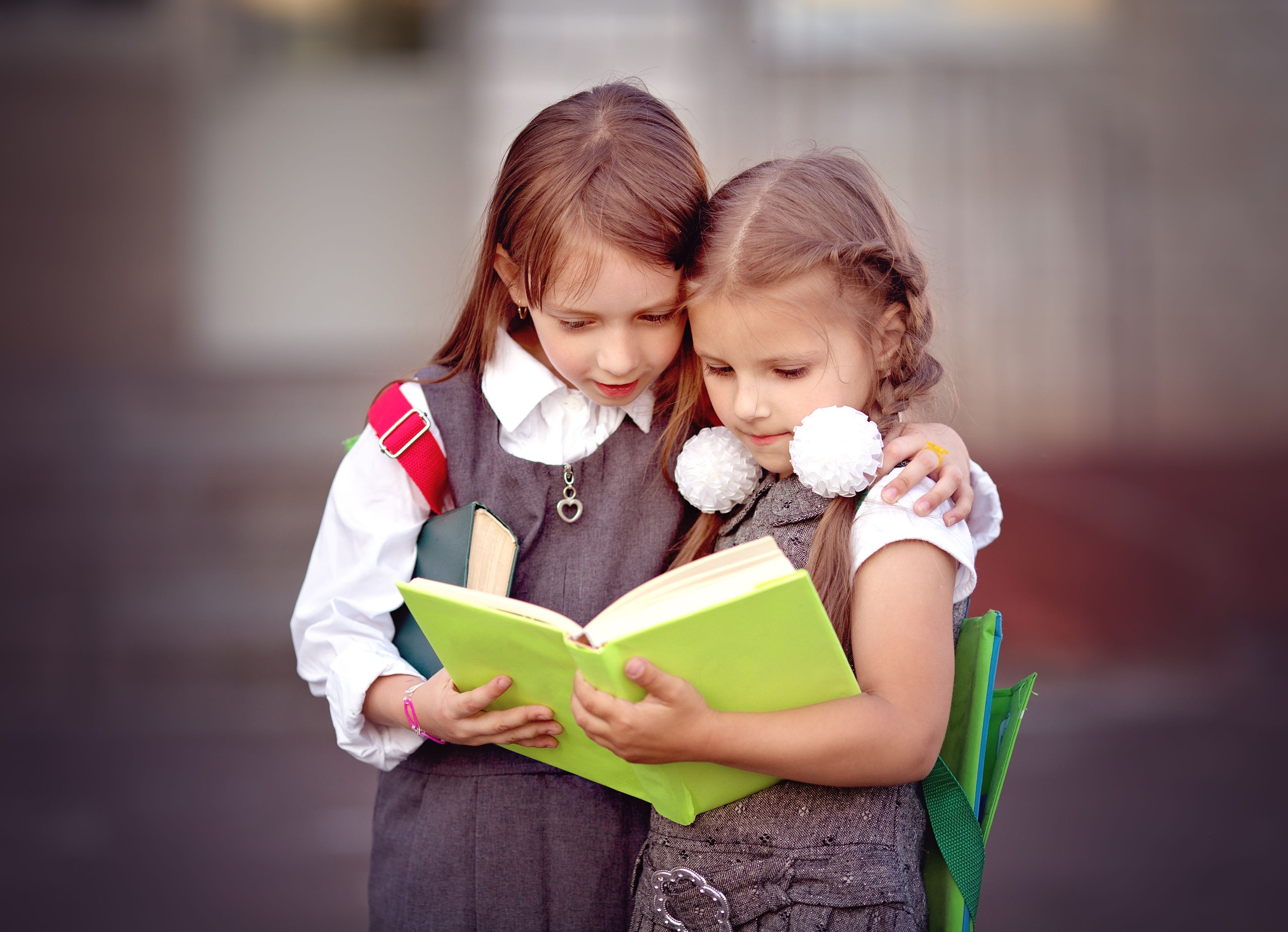 Školačky kamarádky