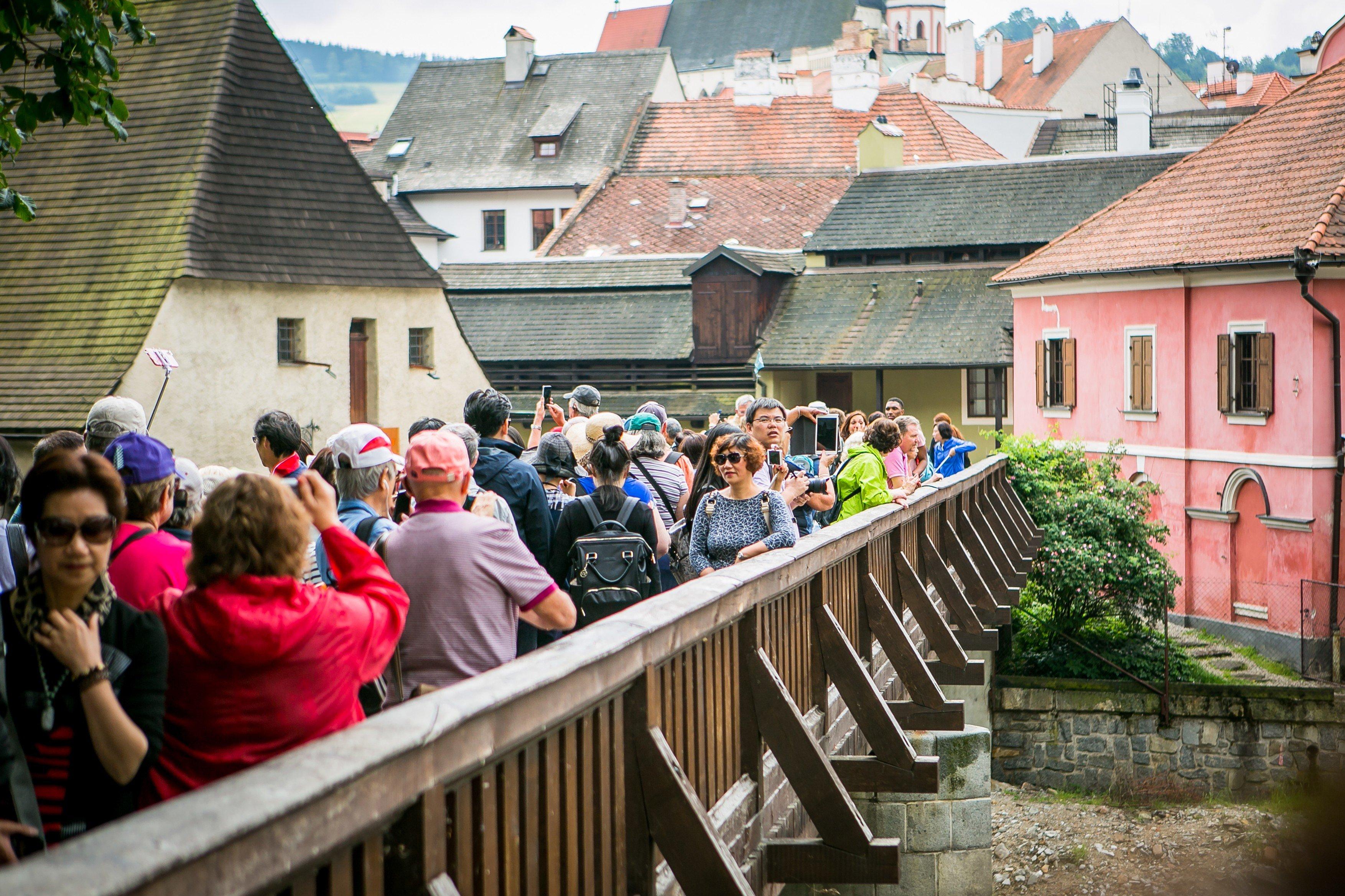 Turisté v Českém Krumlově