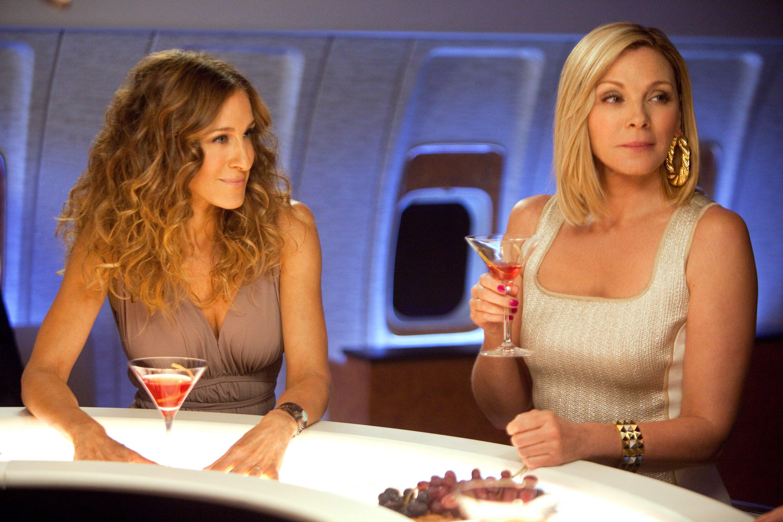 Sex ve městě, Carrie Bradshaw (Sarah Jessica Parker) a Samantha Jones (Kim Cattrall), seriál, televizní zábava