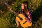 Kytara, dívka, folk