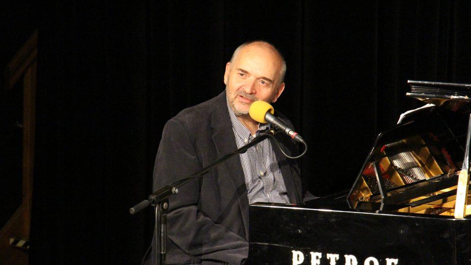 Otec a syn Jan a Jiří Burianové odehráli unikátní koncert ve studiovém sále Českého rozhlasu České Budějovice