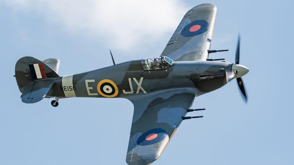 Hawker Hurricane přilétá na Letiště Točná