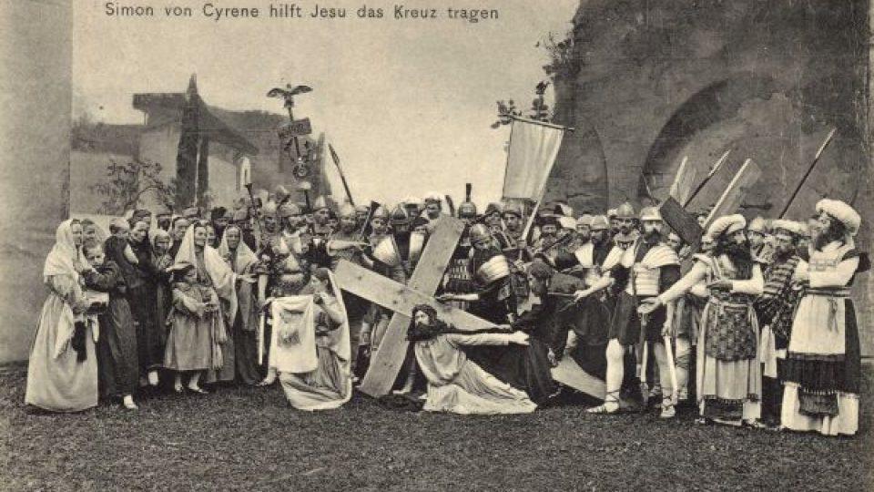 Hořické pašijové hry. Scéna Via dolorosa, 1908