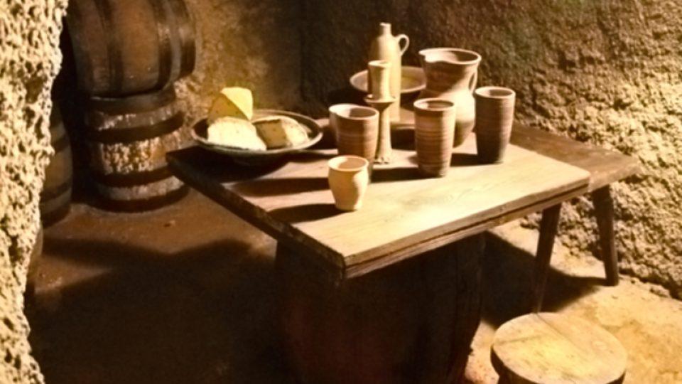 Sem do sklepa pod hostinec U Zlatého Lva chodili Táborští lízat zeď, prý tu kapalo pivo