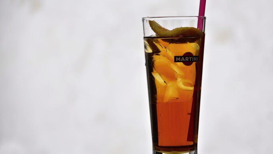 Nápoj s nízkým obsahem alkoholu pro letní dny