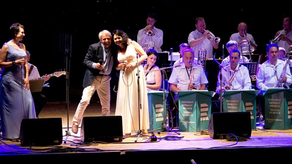 Josef Laufer vystoupil s Rozhlasovým swingovým orchestrem v Českých Budějovicích při festivalu Múzy na vodě