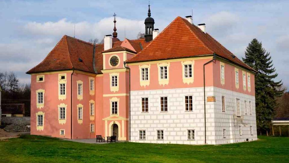 Zámek Mitrowicz v Kolodějích nad Lužnicí se poprvé v historii otevřel návštěvníkům