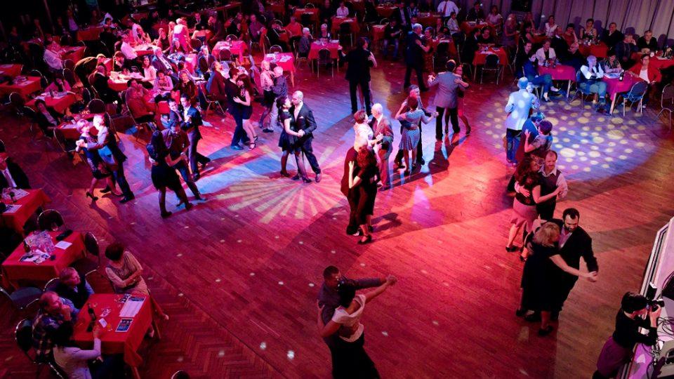 Rozhlasová tančírna v DK Metropol v Českých Budějovicích
