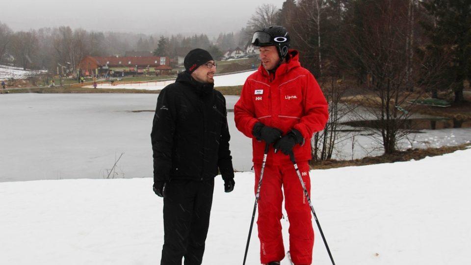 Lukáš Martinek z Jihočeské univerzity, který spolupracuje na pořadu Návod na zdraví, a vedoucí lyžařské školy na Lipně Petr Chalupa