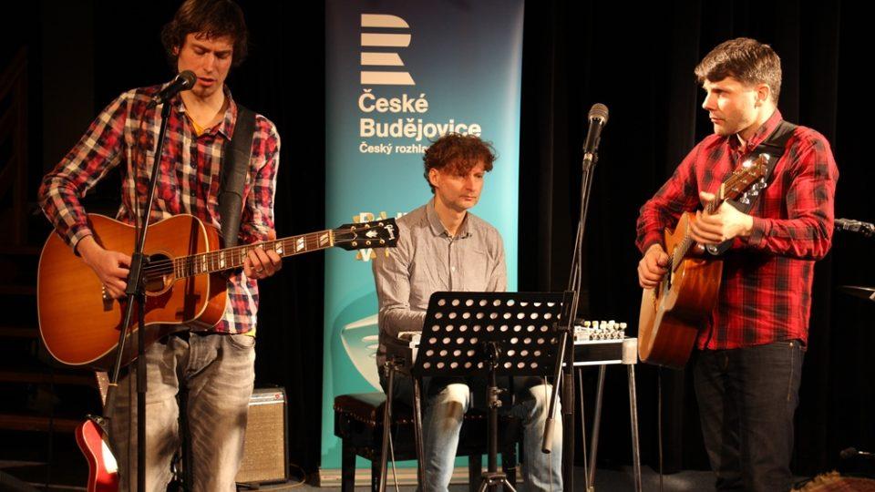 Jihočeská kapela Epydemye odehrála v rozhlase Koncert pro Kotlinu s hosty Josefem Štěpánkem a Davidem Landštofem
