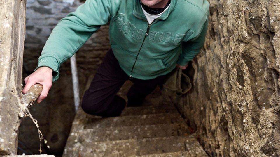 Tým, který zaznamenává hlasy jihočeských zvonů, vede Jan Kopřiva. Nněkteré výstupy jsou i fyzicky náročné a nebezpečné