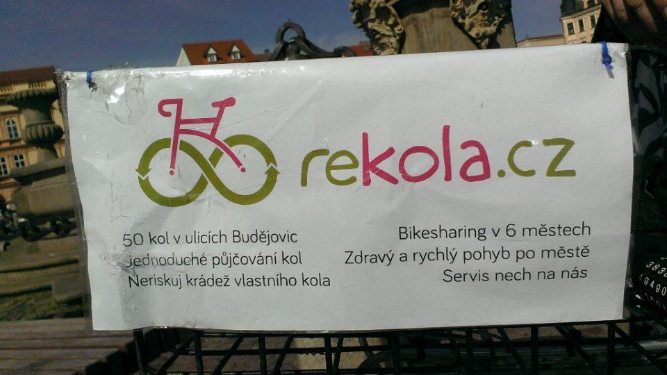 Růžová kola jsou k dispozici všem zájemcům, stačí se zaregistrovat na webových stránkách a poté mít u sebe mobilní telefon