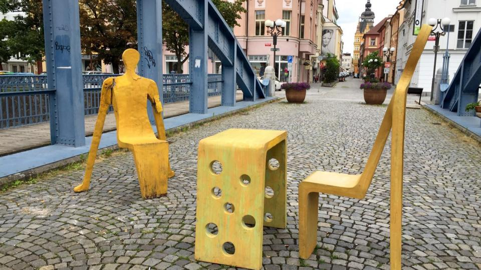 Socha Michala Trpáka na Zlatém mostě v Českých Budějovicích po útoku vandalů