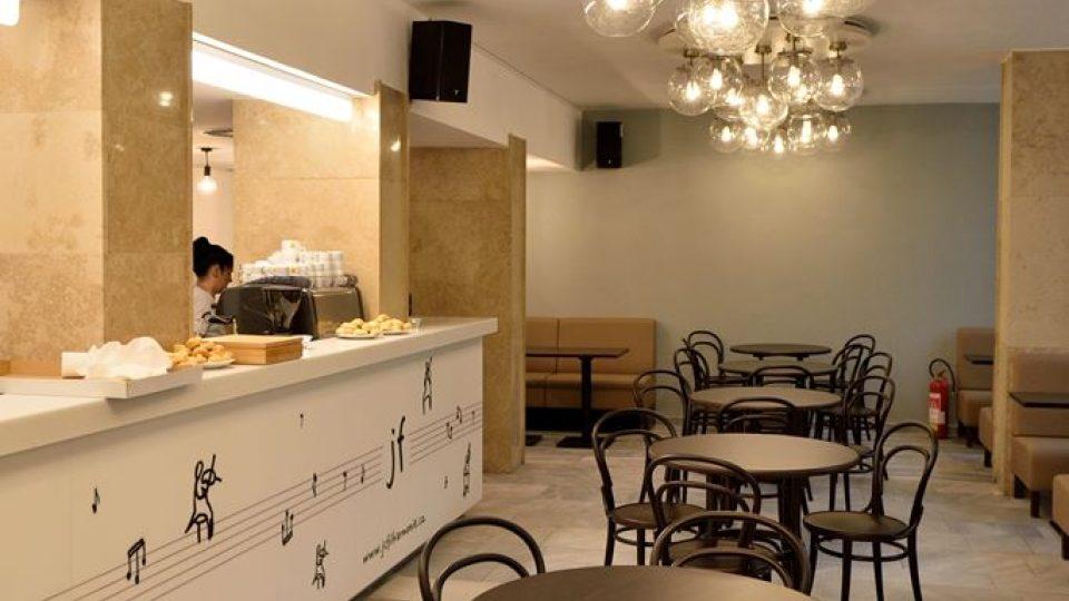 Jihočeská filharmonie otevřela po opravě svou budovu v Českých Budějovicích. Novou podobu získala kavárna