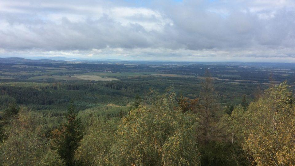 Výhled z vrcholu rakouské hory Mandelstein