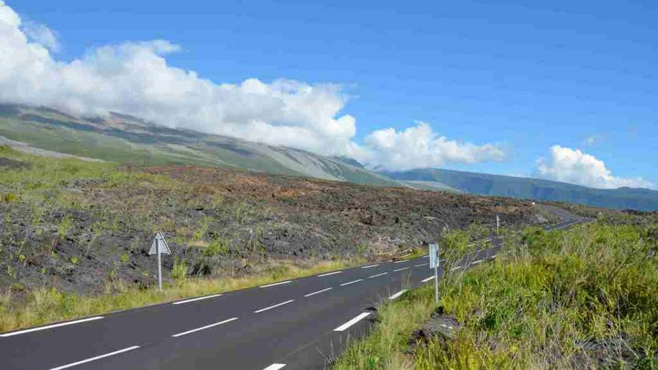 Lávová pole na Reunionu po erupci z roku 2007