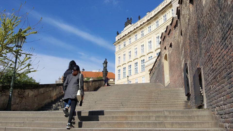 Nové zámecké schody jsou z historického hlediska starší než Staré