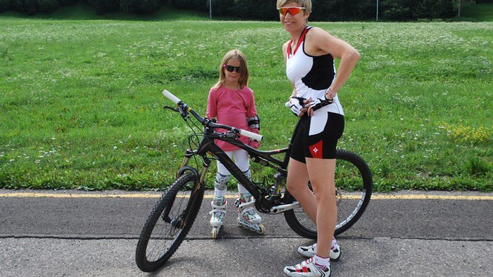 Kateřina Neumannová miluje jízdu na kole, její dcera Lucie dává přednost jiným sportům
