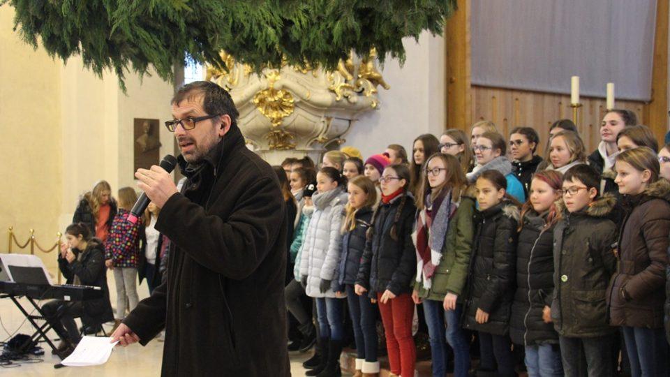Předávání Betlémského světla v českobudějovické katedrále