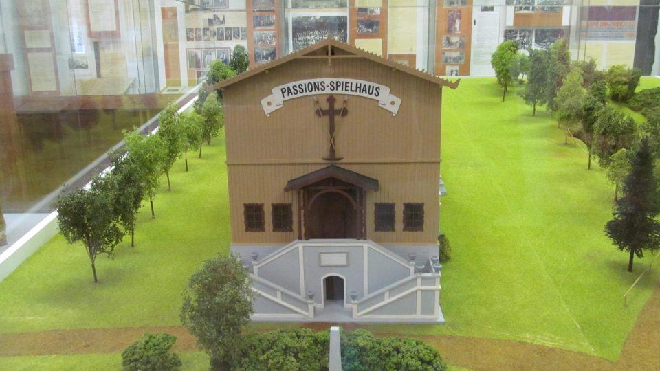 V hořickém Muzeu Pašijových her si můžete prohlédnout model původního divadla
