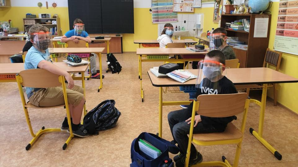 Malotřídka v Popelíně se po uvolnění vládních opatření opět otevřela žákům. Platí ale přísná hygienická pravidla