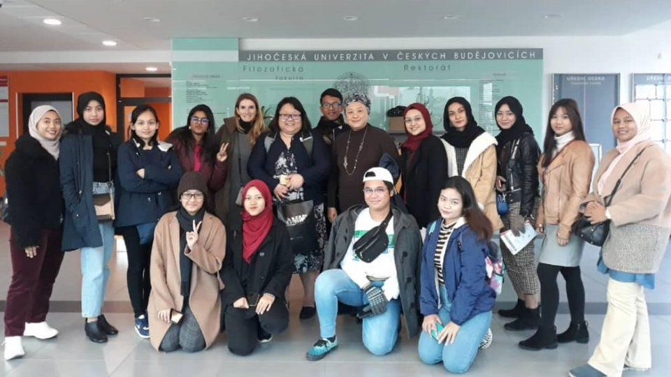 Studenti Multimedia University v Cyberjaya v Malajsii navštívili Jihočeskou univerzitu. Je to začátek spolupráce mezi školami