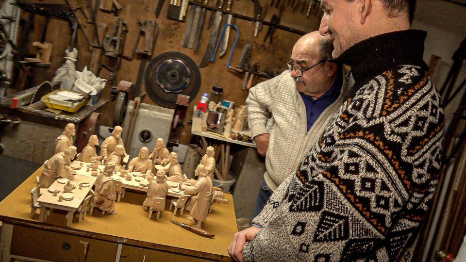 Starobylá tradice betlémářství, kterou se snaží udržet při životě rodina Šedinova v Bechyni