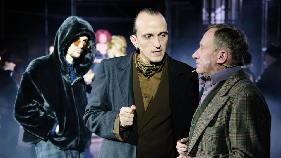Politickou komedii Zadržitelný vzestup Artura Uie uvádí Jihočeské divadlo v Boudě na Mariánském náměstí v Českých Budějovicích