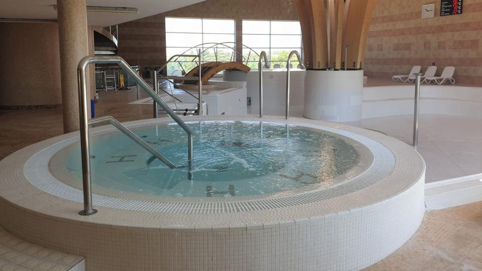 Plavecký bazén a venkovní aquapark v Jindřichově Hradci se připravuje na otevření po pauze vynucené koronavirem