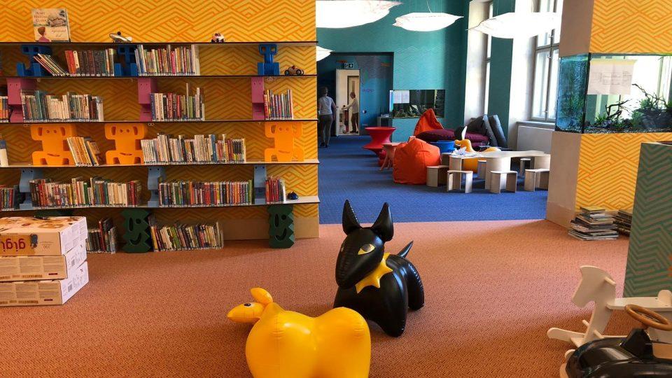 Knihovna v Písku se přestěhovala do budovy bývalé školy. Čtenáře tu čeká větší komfort a více možností, jak trávit volný čas