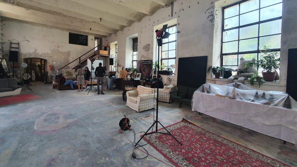 Bývalá čistírna a prádelna v Českém Krumlově se změnila v komunitní a kulturní centrum