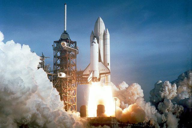 Start amerického raketoplánu Columbia.