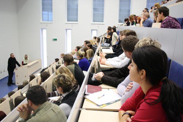 Studenti v posluchárně Jihočeské univerzity