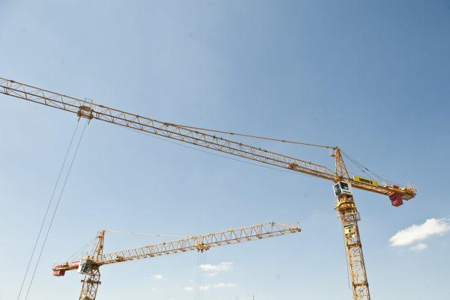 Jeřáb, práce, stavba (ilustrační foto)