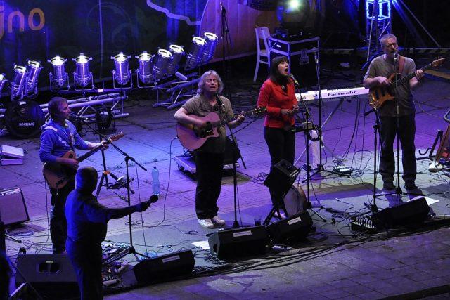 Pavel Žalman Lohonka s kapelou na snímku z roku 2013 | foto: Petr Svoboda