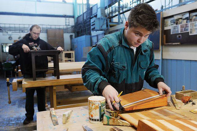 Učeň,  střední odborné učiliště,  řemeslo,   (ilustrační foto) | foto: Filip Jandourek