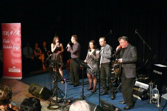 Dvojkoncert Voxtetu a Two Towers Hulu Jazz v českobudějovickém rozhlase | foto: Jana Deutschová,  Český rozhlas
