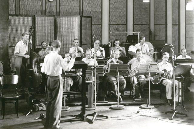 Gustav Brom a jeho orchestr na začátku kariéry   foto: Český rozhlas Brno