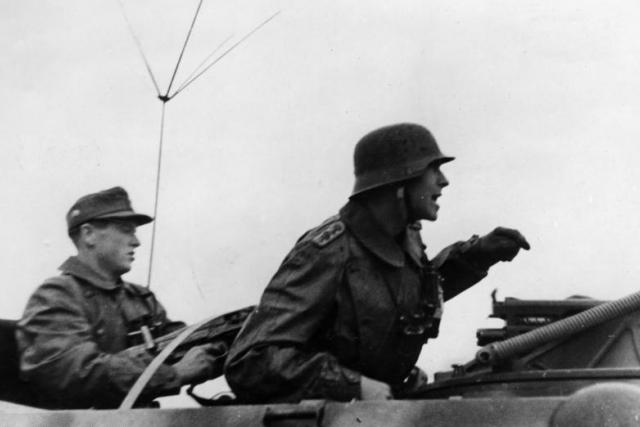 Německé tanky útočí na povstalce (ilustrační foto)