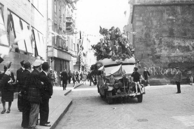 Českobudějovická ulice u Černé věže 5. května 1945