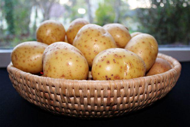 Brambory, zelenina (ilustrační foto)